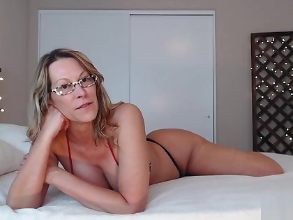Sexy Webcam Big Thick Ass White Milf