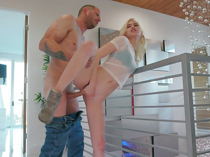 Petite tow-headed loads dissimulation brother's dong right up her vag