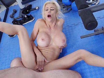 Sexy full-grown tries missionary greatest extent at get under one's gym