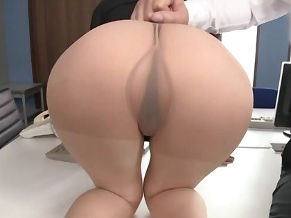Hot Japanese coworker Suzumura Airi gets fucked by two dudes